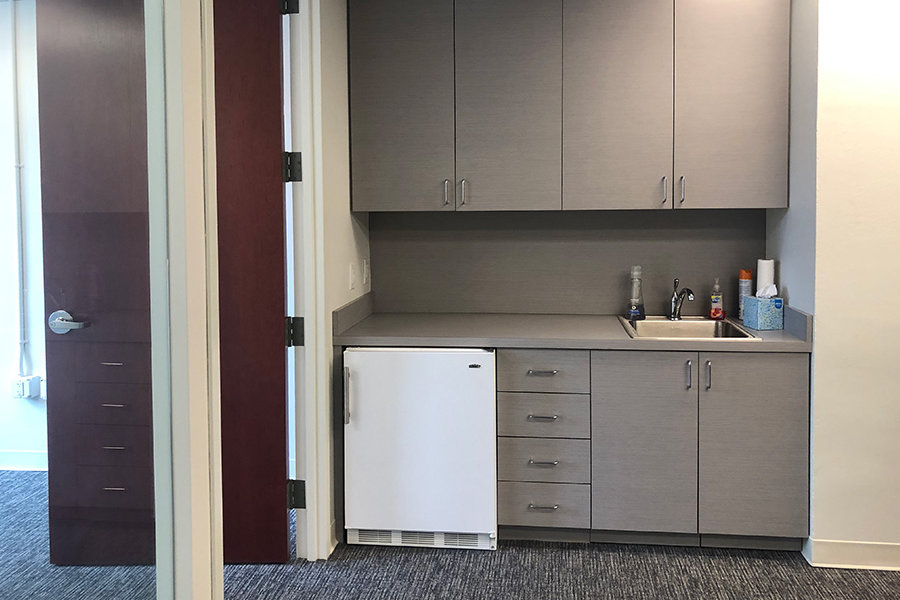 chanin building office space   office sublets