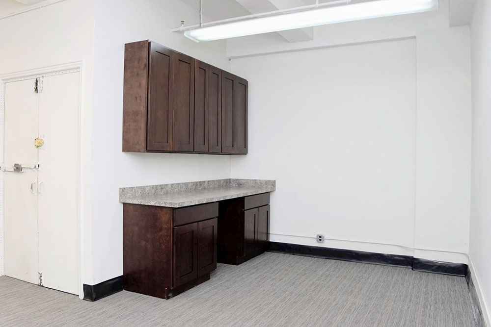 Fashion Showroom Sublet Available in Garment District