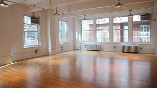 Open loft space ideal for showrooms or tech layout 10018 for Ideal office layout