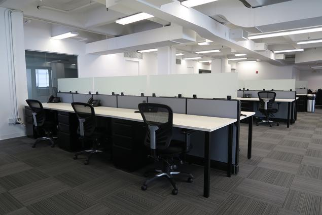 midtown west desk space for sublease