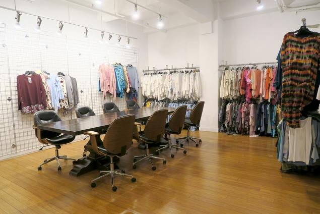 fashion showroom for sublease