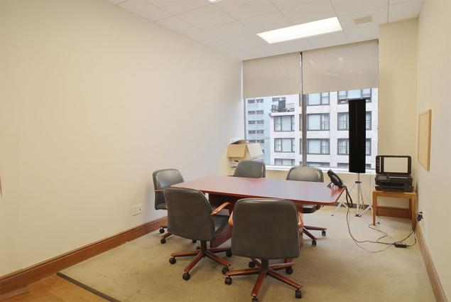 Desk space in Midtown East law firm | office sublets