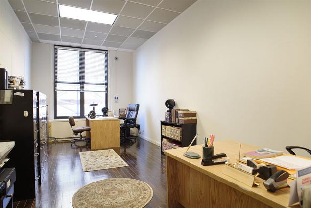 rent office space fidi | office sublets