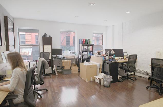 Windowed team room in Tribeca | office sublets